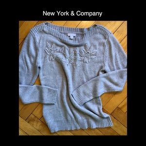 NEW YORK & COMPANY Small Gray Sweater
